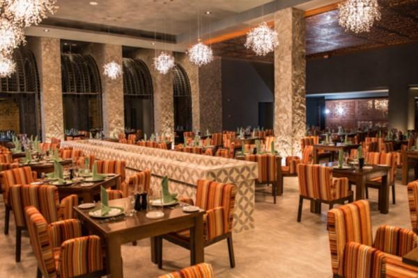 bars-restaurants-16D98A5597-9919-9A11-8FB6-71E9D605CE7E.jpg