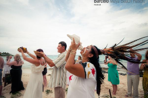 barcelo-weddings-2016-photos-0349C2D633D-C0ED-8C6C-3A76-14484AE0ECAA.png